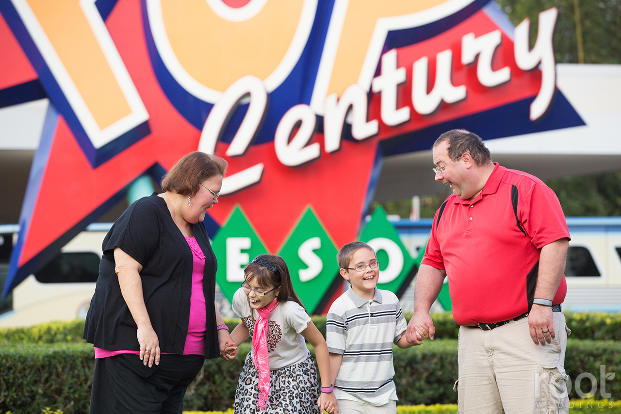 Pop Century Family Portrait Session06