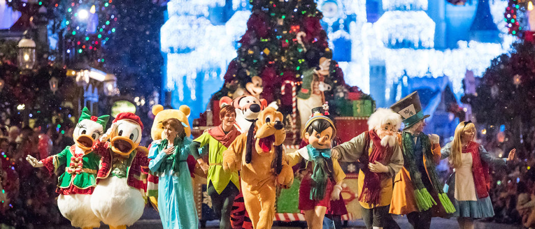 Oliver does Mickey&#8217;s Very Merry Christmas Party! <3