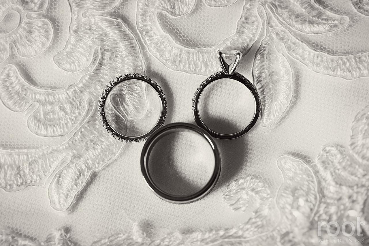 Wedding rings in Mickey Shape